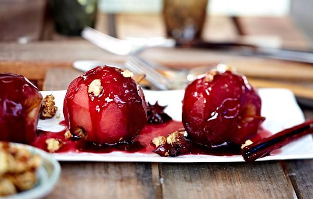 Rotweinäpfel in Gewürzsud Rezept