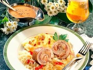 Roulade gefüllt mit Speck und Sauerkraut Rezept