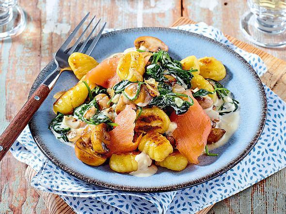 Ruck-Zuck-Gnocchi mit Spinat und Lachs Rezept