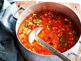 Ruck-zuck-Tomaten-Bohnensuppe Rezept