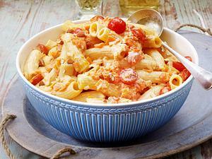 Rüebli-Tomaten-Rigatoni Rezept