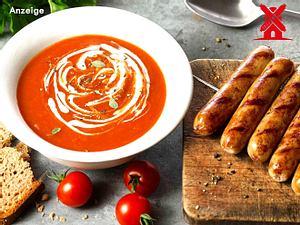 Pikante Sangrita Tomatensuppe mit vegetarischer Bratwurst