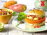 Veganer Crispyburger Acapulco mit Avocadocreme