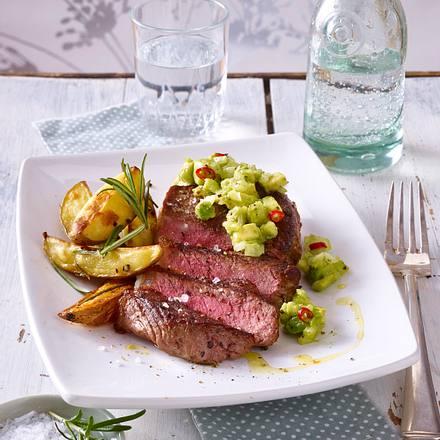 Rumpsteak mit Avocadosalsa und Rosmarin-Kartoffelspalten Rezept