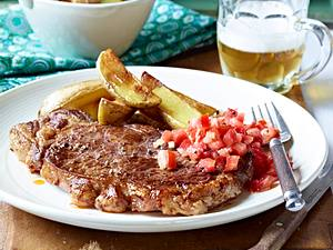 Rumpsteak mit Meerrettich-Tomatensalsa und Country-Potatoes Rezept