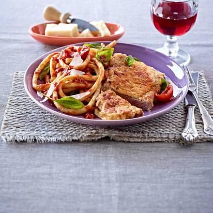 Rumpsteak-Piccata zu Makkaroni un Tomatensoße Rezept