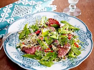 Rumpsteak-Salat mit Bohnen und Sprossen Rezept