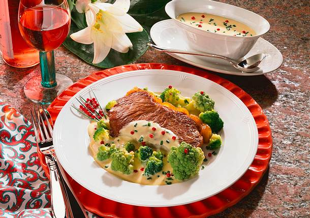 Rumpsteaks mit Gemüse und Senfsoße Rezept