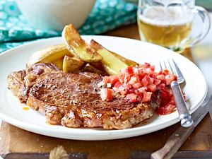 Rumpsteaks mit Meerrettich-Tomaten-Salsa und Country Potatos Rezept