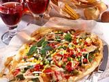 Runde Gemüsepizza mit Käse Rezept
