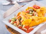 Safran-Crêpes mit Avocado-Krabben-Füllung Rezept