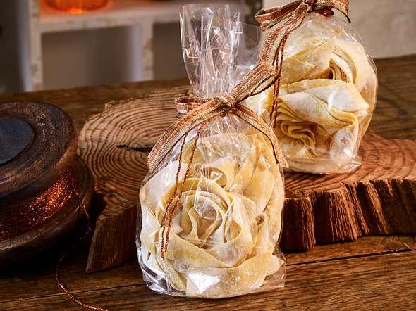 Safran-Nudeln zum Verschenken Rezept