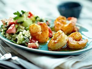 Safrangarnelen mit Bulgur-Petersilien-Salat Rezept