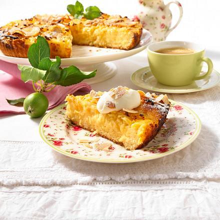 Saftiger Apfelkuchen mit Creme double-Guss  Rezept