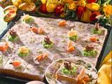Saftiger Möhren-Haselnuss-Blechkuchen Rezept