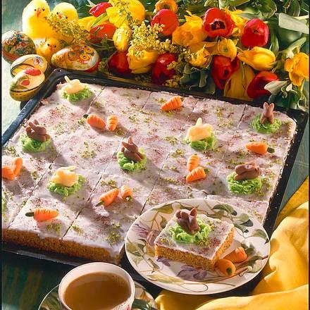 Saftiger Mohren Haselnuss Blechkuchen Rezept Lecker