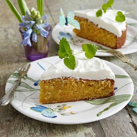 Saftiger Mohrenkuchen Mit Frischkase Topping Rezept Lecker