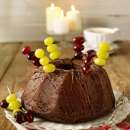 Saftiger Trauben-Nougat-Hupf mit Schokoladenspänen Rezept