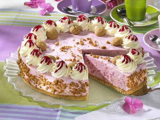 Sahnige Rhabarber-Torte Rezept