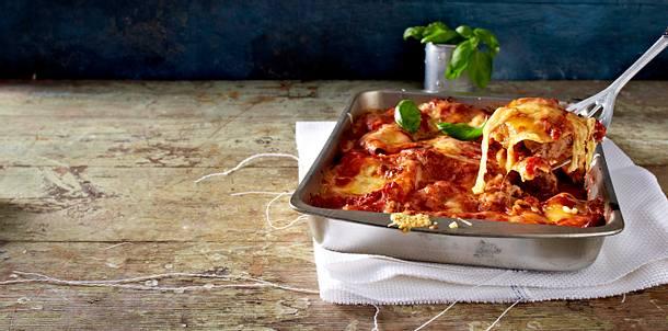 Salami-Meatball-Lasagne Rezept