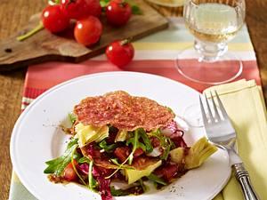Salamichips Sandwich mit mediterranem Salat Rezept