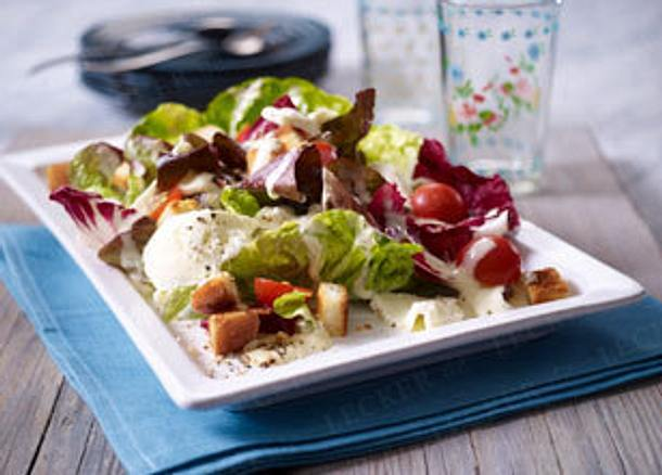 salat mit b ffel mozzarella und caesar salad so e rezept chefkoch rezepte auf. Black Bedroom Furniture Sets. Home Design Ideas