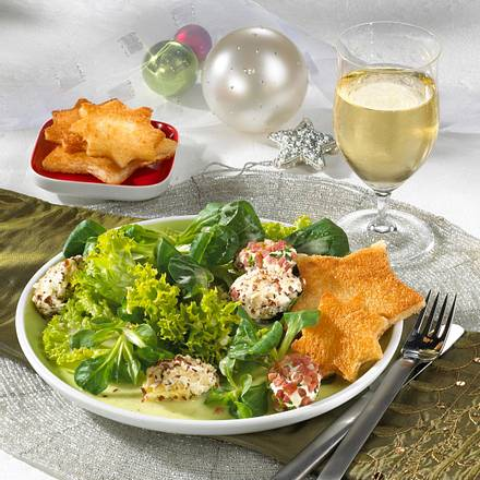 Salat mit Frischkäsenocken Rezept