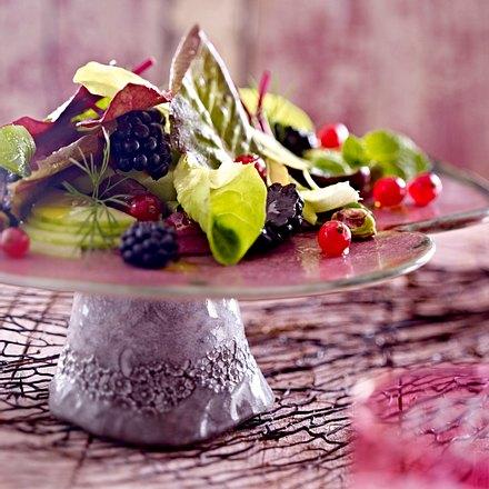 Salat mit Gurken und Bormbeeren Rezept
