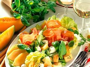Salat mit Melone und Parmaschinken Rezept