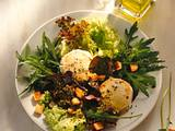 Salat mit überbackenen Ziegenkäse Rezept