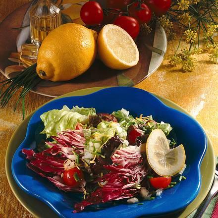 Salat mit Zitronenmarinade Rezept