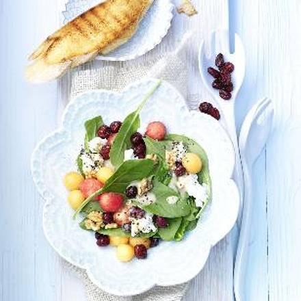 Salat von Melonenkugeln mit Cranberries Rezept