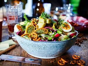 Salatbowl mit Maultäschle-Motiv rezept