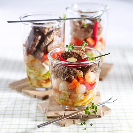 Salatcocktail mit Steakstreifen Rezept