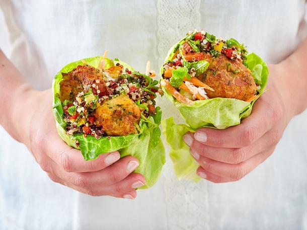 Salat-Wrap mit Halloumikäse