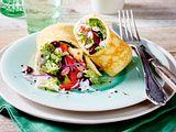 Salatwrap mit Kräuter-Joghurt-Dip Rezept