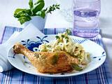 Salbei-Hähnchenkeulen zu Kräuterkartoffelpüree mit Pinienkernen Rezept