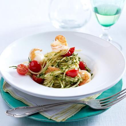 Salsa verde zu Spaghetti mit Garnelen Rezept