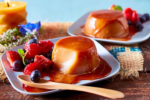 "Salted-Caramel-Pudding an ""Local Berry""-Mix Rezept"