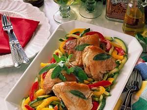 Saltimbocca auf Paprika-Zucchini-Gemüse Rezept