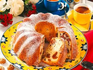 Sandkuchen mit Schokolade und Amarettini Rezept