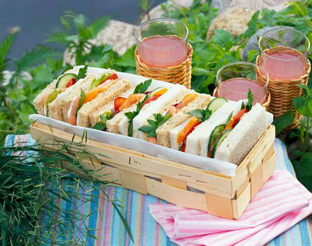 sandwich mit lachs und thunfisch rezept chefkoch rezepte. Black Bedroom Furniture Sets. Home Design Ideas