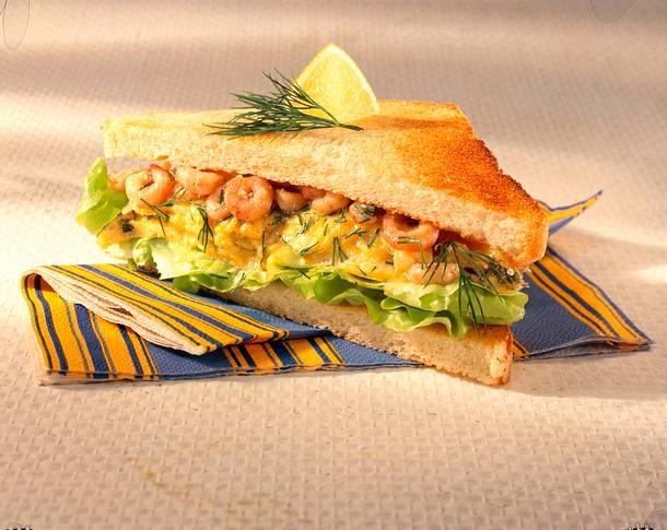 Sandwich mit Rührei und Krabben Rezept