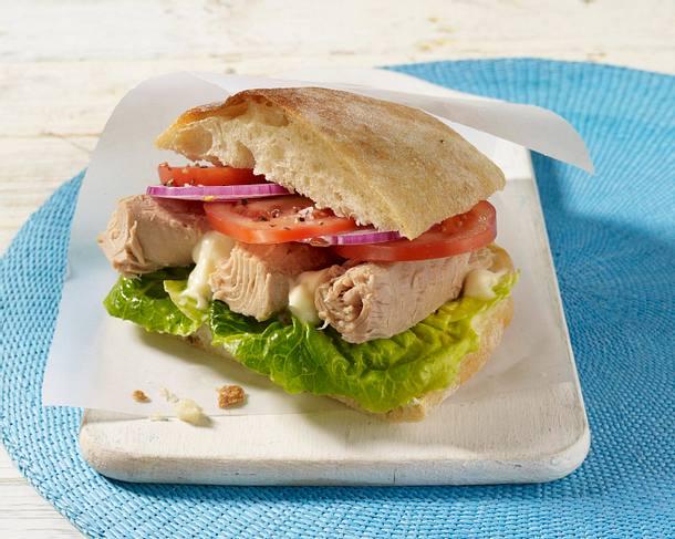 Sandwich mit Thunfisch und Tomaten Rezept