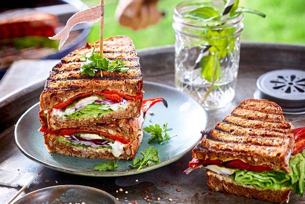 Sandwich-Turm mit Grillpaprika Rezept