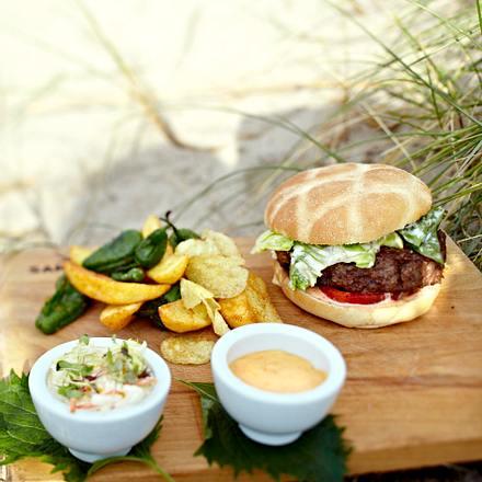 Sansibar-Burger mit Kartoffelmix Rezept