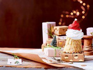 Santas Mandeltörtchen mit Baiser-Rauschebart Rezept