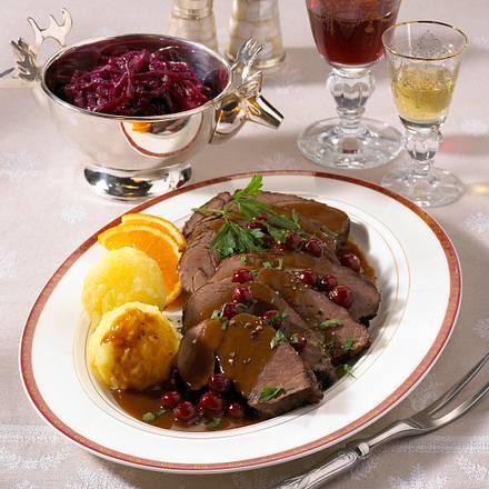 Sauerbraten vom Hirsch zu Kartoffelklößen Rezept