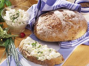 Sauerkraut-Brot mit Obatzda Rezept