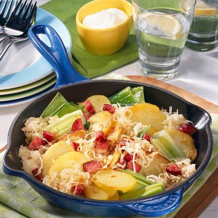 Sauerkraut-Kartoffel-Pfanne mit Kabanossi Rezept